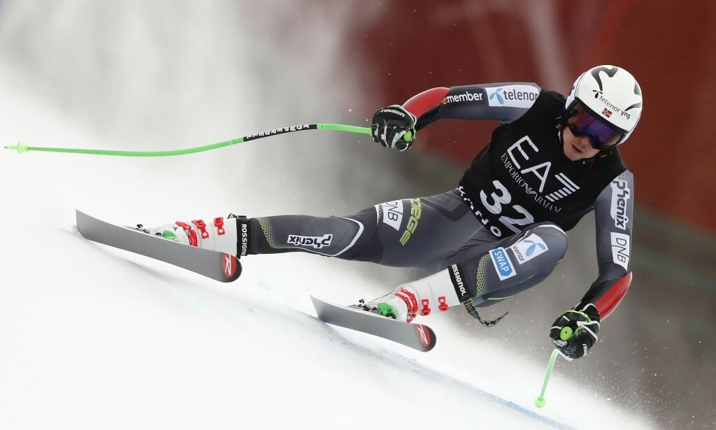 Henrik Kristoffersen kopierte VM-bragden og slo Marcel Hirscher søndag. Foto: Gabriele Facciotti / AP / NTB scanpix