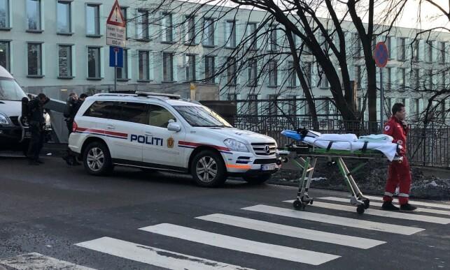 TRE TIL SYKEHUS: Tre unge personer ble kjørt til sykehus i forbindelse med hendelsen. Foto: Tipser