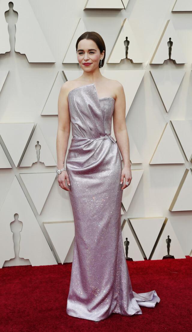0d4e3bf9 ... GLITTER: «Game of Thrones»-stjernen Emilia Clarke gikk for denne  glitrende kreasjonen