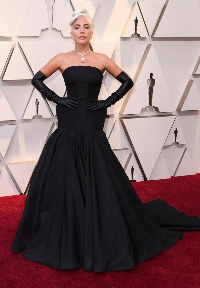 c37a41fa MINIMALT: Lady Gaga pleier å overraske på rød løper, og gjorde nettopp det i