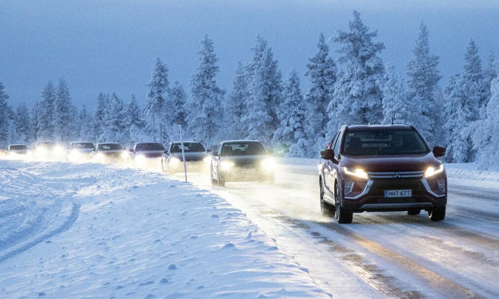 15 BILER TESTET: Godt lys, god varme i kupeen, gode bremser og sikre kjøreegenskaper er noen viktige egenskaper for oss som kjører bil under arktiske forhold. Vi har testet alt.Totalt har vi med 15 biler med bensin- eller dieselmotor i denne vintertesten, som er den mest omfattende i sitt slag i verden. <br>Foto: Markus Pentikainen