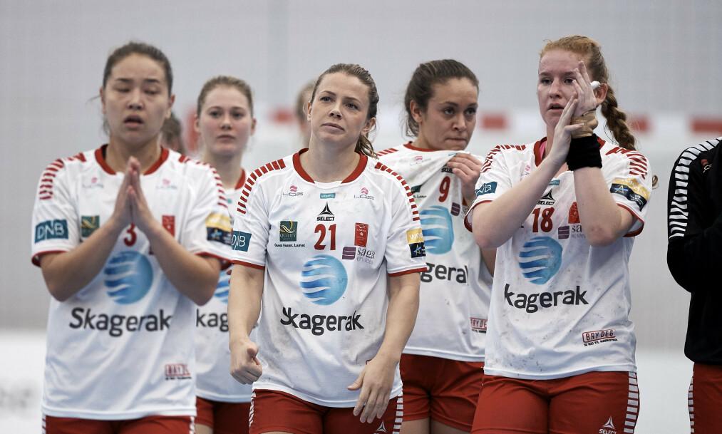<strong>FORBEREDER SEG:</strong> Spillerne i Larvik Håndballklubb fikk beskjed om at de ikke fikk lønn fra klubben på mandag kveld. Nå forbereder de seg likevel til kamp. Foto: Robert Wengler / Ritzau Scanpix / NTB scanpix