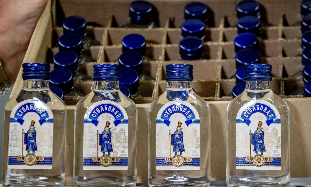 image: Beslagla 90 000 flasker vodka i Rotterdam: -Skulle til Kim Jong-un