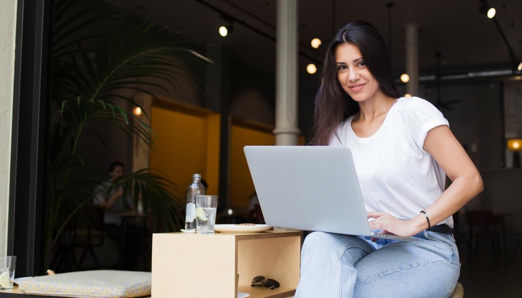 <strong>JOBBINTERVJU:</strong> Det er mange tiltak du kan gjøre for å få en best mulig start på jobbintervjuet - selv før det er i gang! Som for eksempel spise en god frokost, sette deg inn i hva bedriften du søker jobb hos står for og ikke minst: smile og tenke positive tanker. Lykke til! FOTO: NTB Scanpix