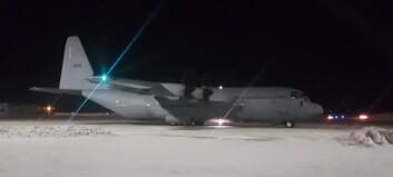 Fly klarert etter bombetrussel