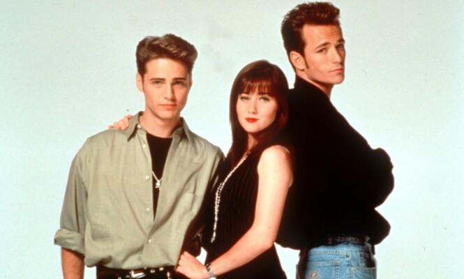 <strong>TRIO:</strong> Jason Priestley, Shannen Doherty og Luke Perry spilte alle store roller i den populære tenåringsserien. Foto: NTB Scanpix