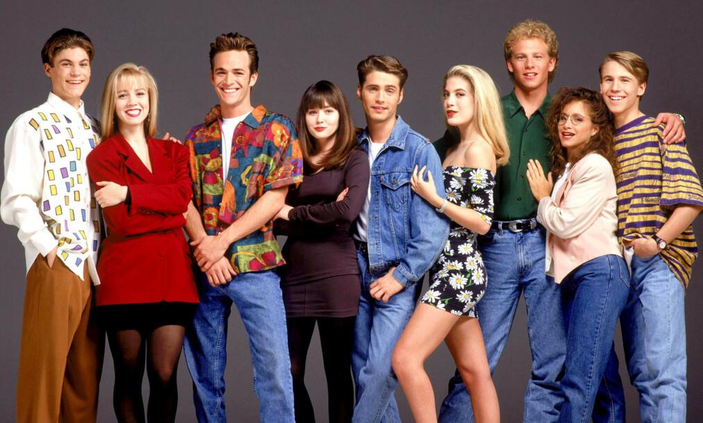 <strong>TV-STJERNER:</strong> Brian Austin Green, Jennie Garth, Luke Perry, Shannen Doherty, Jason Priestley, Tori Spelling, Ian Ziering og Gabrielle Carter ble superstjerner gjennom 90-talls serien «Beverly Hills 90210». Foto: Stella Pictures