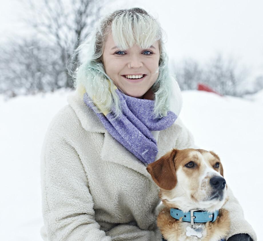 6723e5d2 TROFASTE: Mathilde får hjelp av hunden Vito med sine psykiske plager: –  Vito har