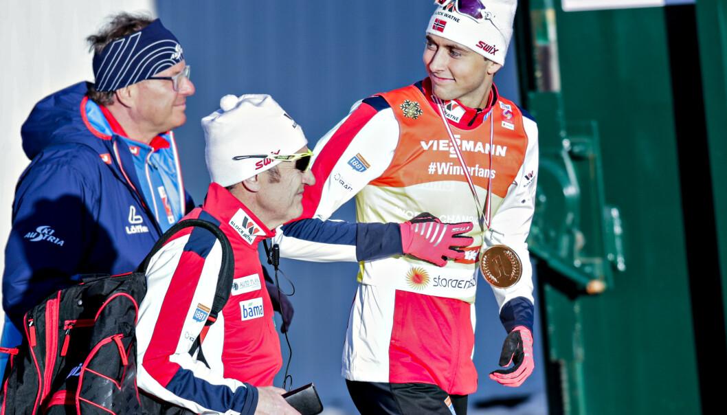 <strong>I GULLKAMPEN:</strong> Jarl Magnus Riiber og de norske kombinertgutta er i gullkampen i kombinert-lagkonkurransen. Foto: Bjørn Langsem/Dagbladet
