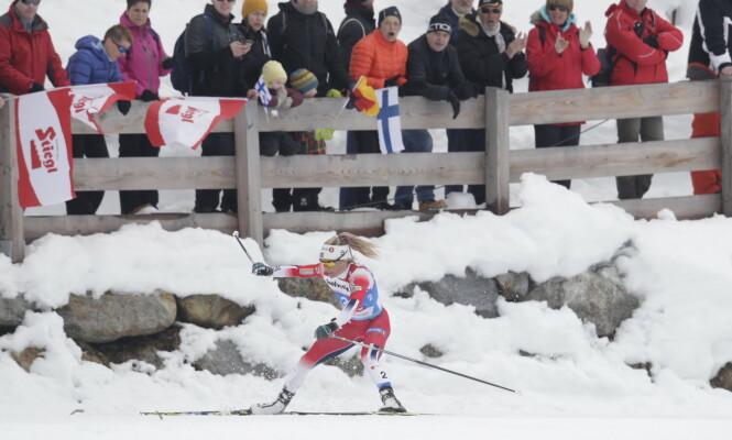 <strong>MÅPET:</strong> Therese Johaug holdt på å falle på dagens tremil. Foto: Bjørn Langsem / Dagbladet