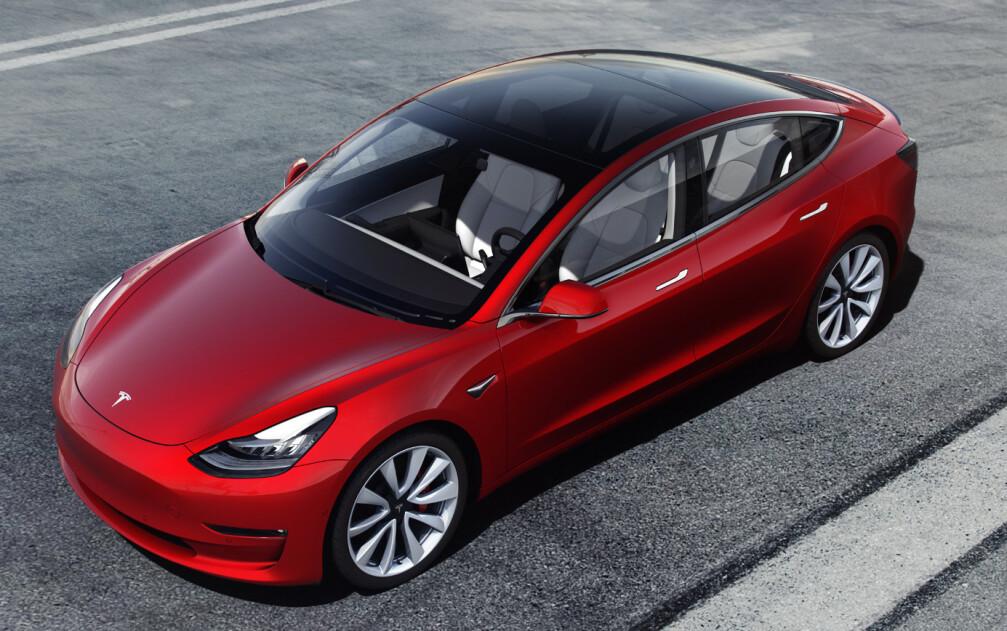 VINNEREN: På toppen av registreringsstatistikken for februar troner en elbil, Tesla Model 3. Foto: Tesla