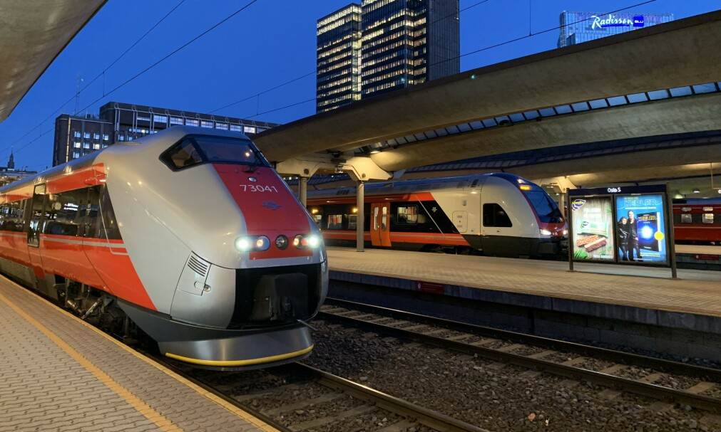 ØKT BEHOV: Norske Tog spår at antall togpassasjerer vil bli mer enn fordoblet i 2050. Foto: Pål Joakim Pollen