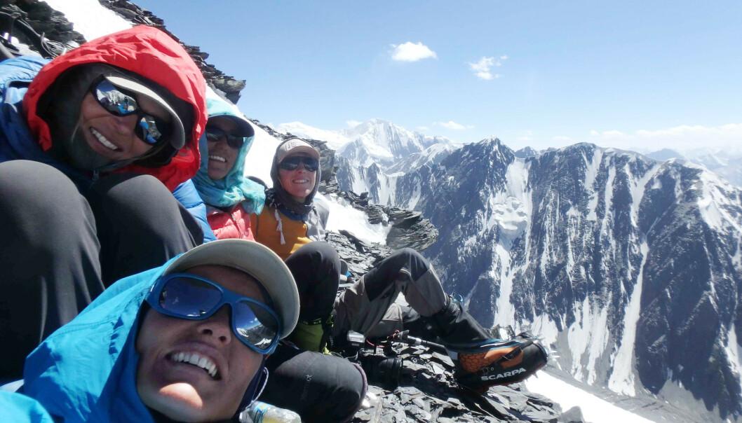 <strong>TIL TOPPS:</strong> Av en større gruppe, var det bare Hanifa og to til som nådde toppen. FOTO: Vibeke Sefland