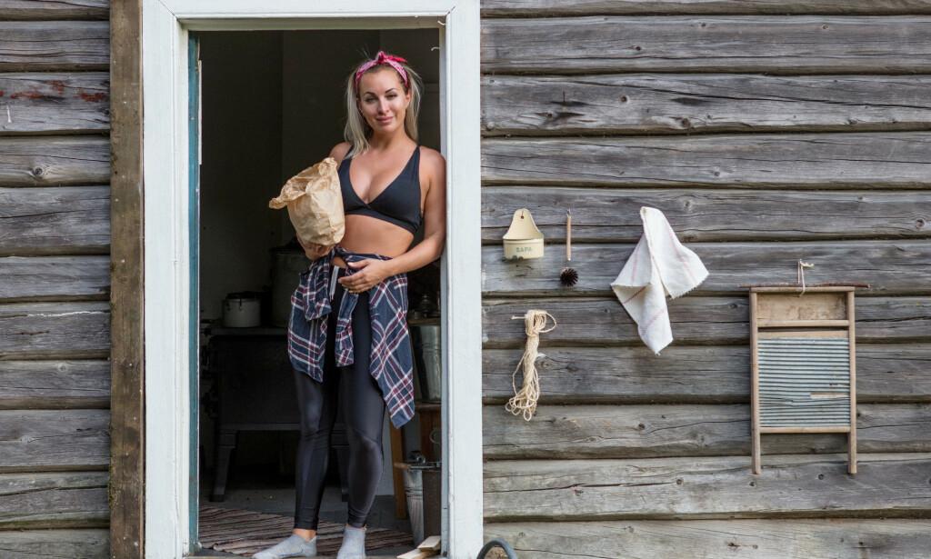 DRAMA BAK KULISSENE: Tv-profil og artist Carina Dahl (33) brøt sammen foran «Farmen»-produksjonen. Det kommer ikke på tv. Foto: Alex Iversen / TV 2