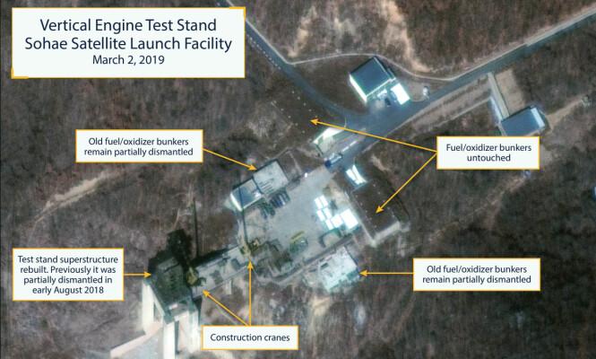 <strong>RAKETTBASE:</strong> Dette bildet, tatt 2. mars i år, viser de ekspertene mener er ny aktivitet ved Nord-Koreas rakettbase Sohae. Foto: CSIS / Beyond Parallel / DigitalGlobe 2019 / NTB Scanpix