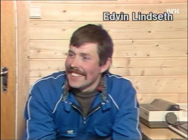 Grisebonde Edvin Lindseth har fått seg datasystem for å fore grisene. 📸: NRK