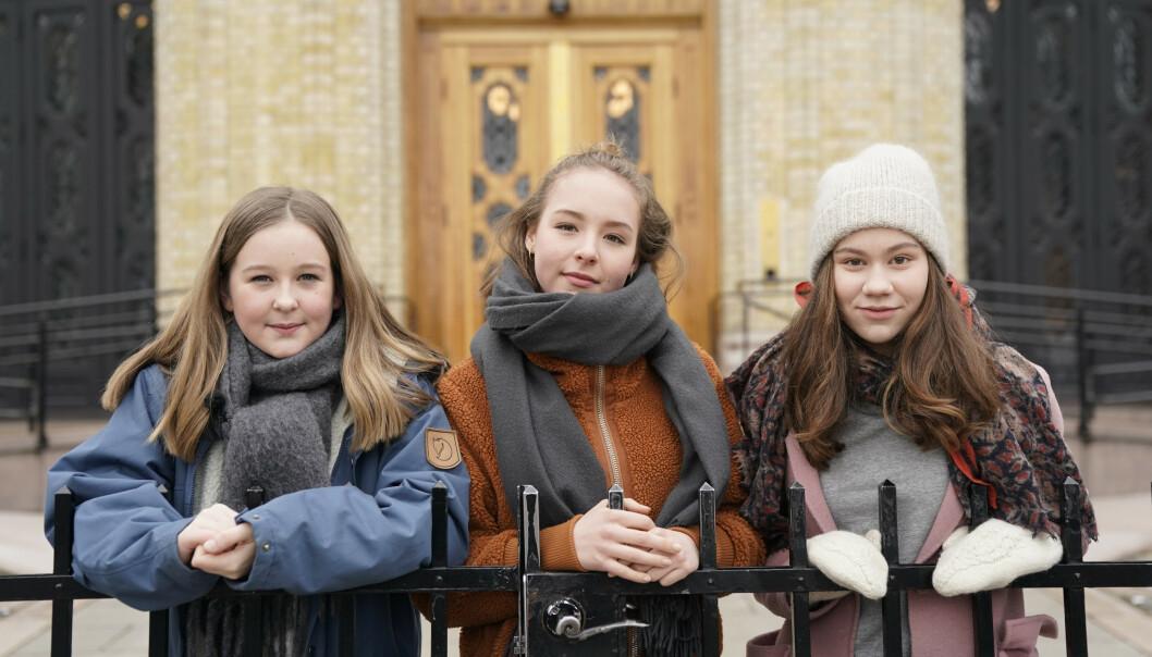 Fjortenåringene Ella Fyhn, Ellisiv Aure og Ea Baklund har skrevet et leserinnlegg i Aftenposten om seksuell trakassering av jenter i skolehverdagen. FOTO: Poppe, Cornelius/NTB scanpix