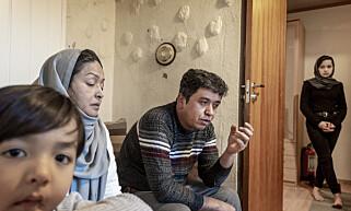 FAMILIE I SORG: For et halvt år siden ble 17-årige Reza Alizada drept av en annen afghansk ung mann. Familien hans bor i en liten leilighet på Møllenberg i Trondheim. De håper å få asyl i Norge for å være nær grava til sønnen.