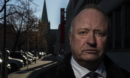 DÅRLIG TID: Advokat Tore Angen forsvarer den drapstiltalte 18-åringen. En drøy uke før saken skal starte synes han det er på tide å få tiltalen.