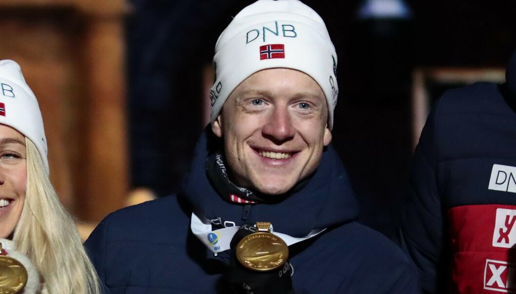 Johannes Thingnes Bø har sju gullmuligheter i VM i Östersund. På åpningsdistansen, mixed-stafett, gikk alt etter planen. Foto: Lise Åserud / NTB scanpix