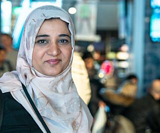 LÆRER BORT: Shabana Fazal mener det er viktig å ha kvinner som har tillit i nettverket for å lære bort triksene med å klare seg i Norge. Foto: Øistein Norum Monsen / Dagbladet.