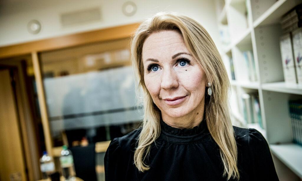 BOKAKTUELL: I boka «Kvinner som hater kvinner», tar den tidligere bloggeren Anne Brith Davidsen et sterkt oppgjør med nettmobbing. Foto: Christian Roth Christensen