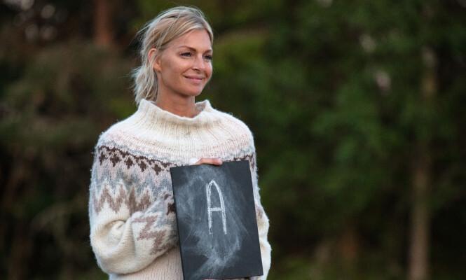 EGEN GENSER: Kathrine Sørland har vært med å designe denne genseren, men forteller at hun ikke hadde noen sponsor-avtaler. Foto: Alex Iversen / TV 2