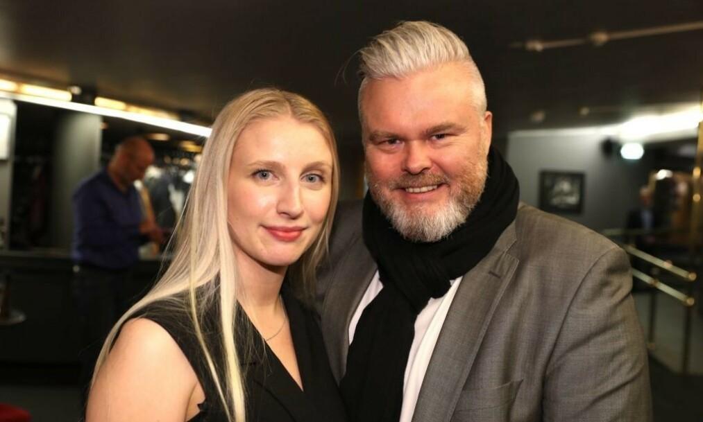 <strong>FORLOVET:</strong> Rein Alexander har fridd til sin kjære Marie Bjaaland Aadalen. Foto: Andreas Fadum / Se og Hør