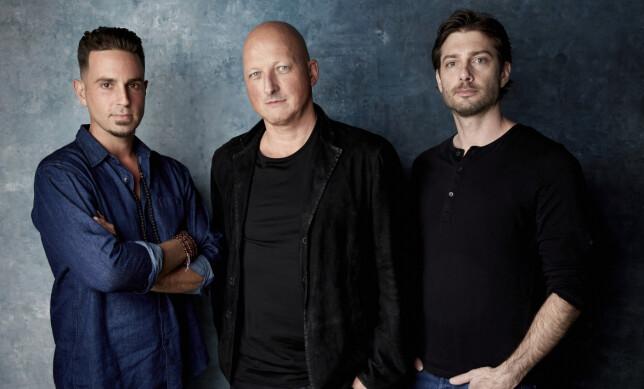 DOKUMENTAR: Fra venstre Wade Robson, regissør Dan Reed og James Safechuck under Sundance Film Festival i januar. Foto: Taylor Jewell / INVISION
