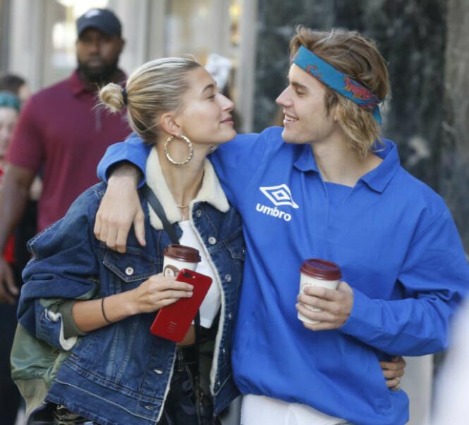 STØTTESPILLER: Justin Bieber skal ha fått god støtte av kona Hailey etter at han begynte å slite med depresjon. Foto: NTB Scanpix