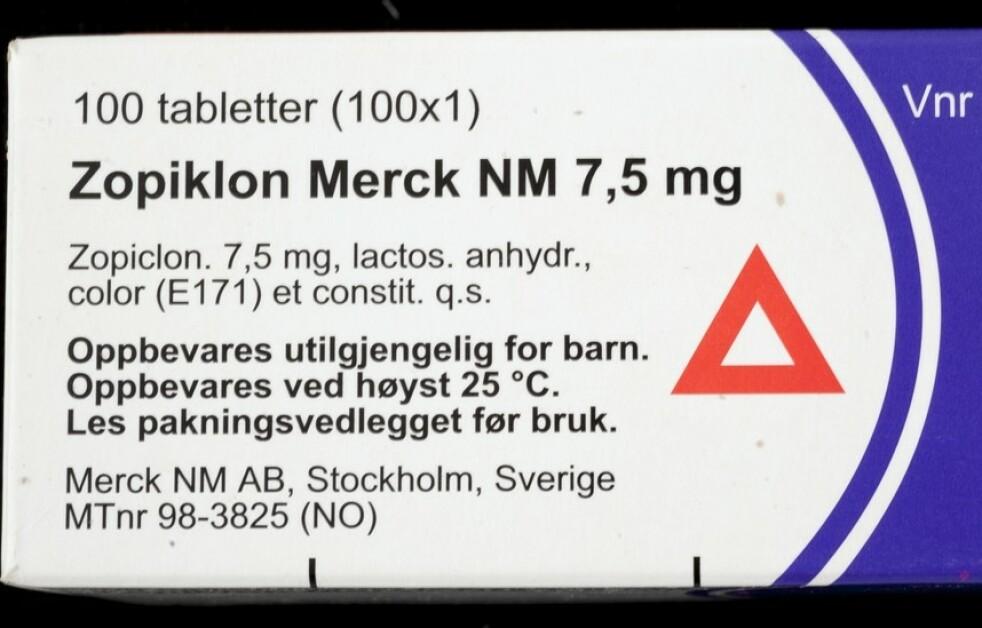 <strong>VEILEDENDE:</strong> Varseltrekanten betyr ikke nødvendigvis at du må slutte med bilkjøring. Foto: Norsk Farmahistorisk Museum.
