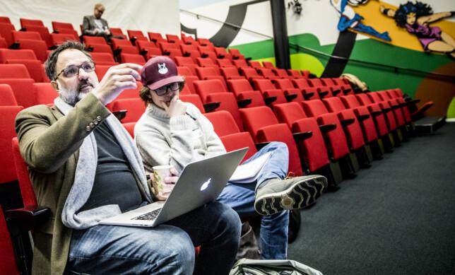 SØKER FINANSIERING: Ulrik Imtiaz Rolfsen og Alexander Johansson presenterte serie og kanalidé for investorer. Foto: Christian Roth Christensen