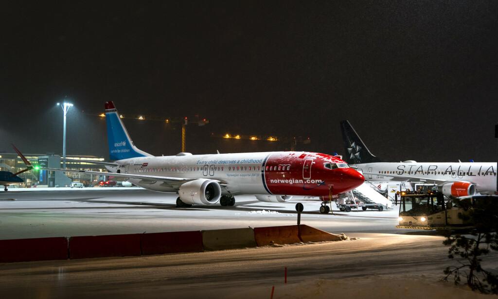 INNSTILLINGER: En nidel av Norwegian-flåten er satt på bakken, inkludert flyet på bildet. Selskapet jobber med å finne nye avganger til passasjerer som er berørt. Foto: Cornelius Poppe / NTB scanpix
