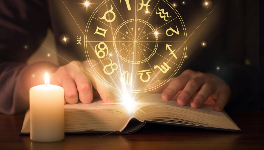 <strong>STUDER ASTROLIGI MED STØTTE FRA LÅNEKASSEN:</strong> Snart kan du lære deg å lese stjernehimmelen og tolke horoskop, med støtte fra Lånekassen. Studier er nylig godkjent for støtte. Planlagt oppstart er 2020. Foto: NTB scanpix