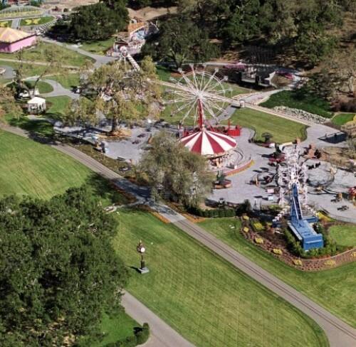 <strong>DEN GANG DA:</strong> Tivolidelen i Neverland, her fra 1993. Seinere er karusellene fjernet. Foto: NTB Scanpix