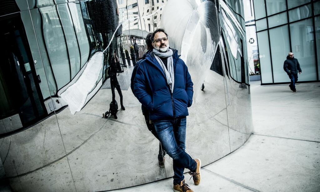JOBBER MED NY TJENESTE: Filmskaper Ulrik Imtiaz Rolfsen satser på å få Netflix, Apple, HBO og Amazon som kunder. Foto. Christian Roth Christensen / Dagbladet