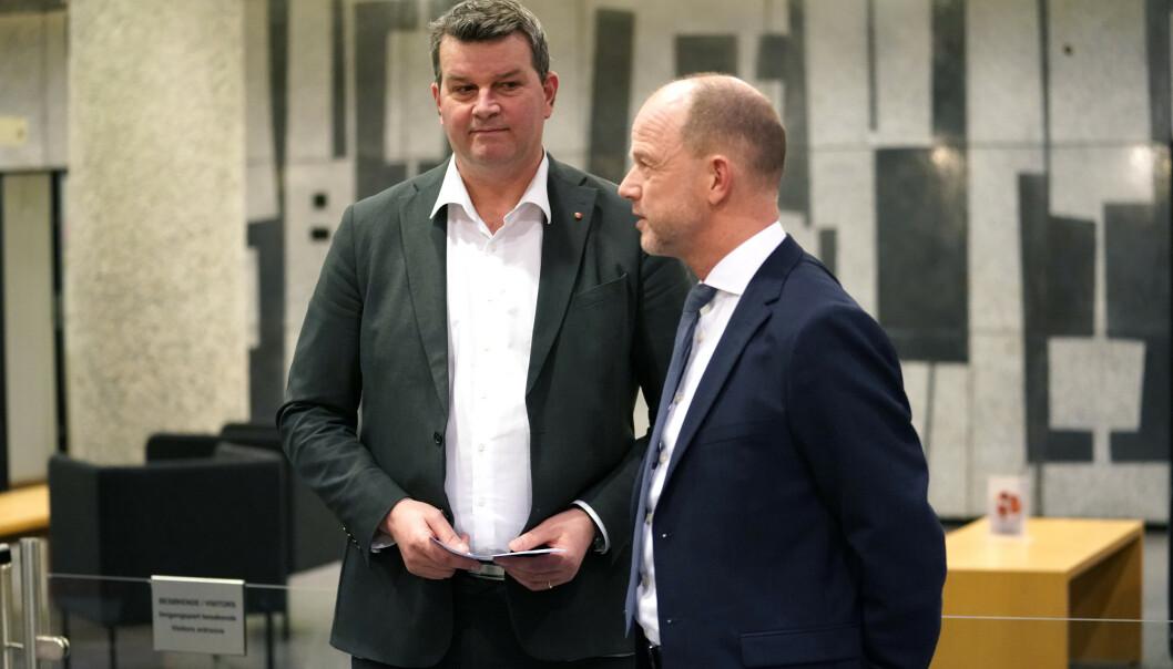 LO-leder Hans-Christian Gabrielsen (t.v) og NHO-sjef Ole Erik Almlid etter at det ble brudd i lønnsforhandlingene mellom NHO og LO. Foto: Cornelius Poppe / NTB scanpix