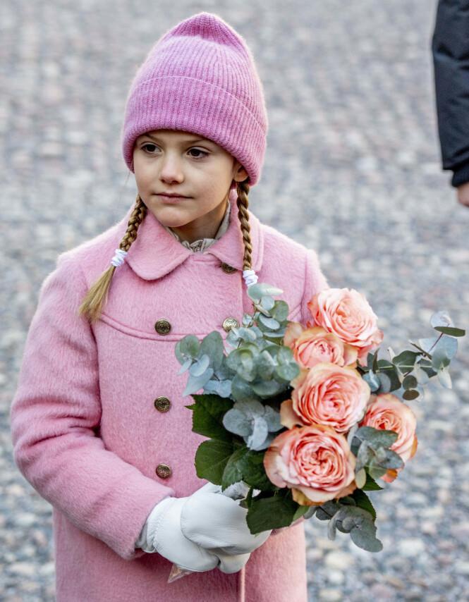 KVINNELIG MONARK: I 1979 endret Sverige loven slik at arveretten ikke styres av kjønn. Da mistet onkel Carl Philip (39) kronprinstittelen, og mamma Victoria ble kronprinsesse. En dag blir det sjarmtrollet Estelle som overtar. Foto: NTB Scanpix