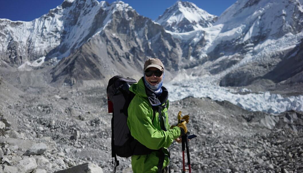 <strong>TURGLAD:</strong> Thomas Lone har satt seg som mål å bestige de høyeste fjellene på hvert kontinent. Neste stopp er det største av dem alle, Mount Everest. Foto: Privat