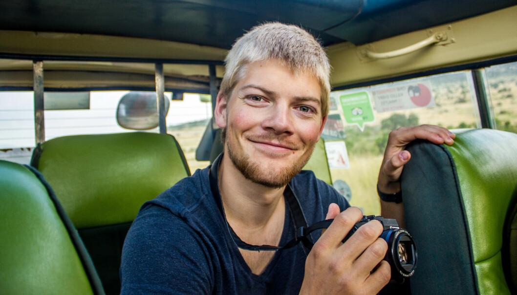 <strong>AFRIKA:</strong> Thomas Lone på safari i nærheten av Kilimanjaro. Foto: Privat
