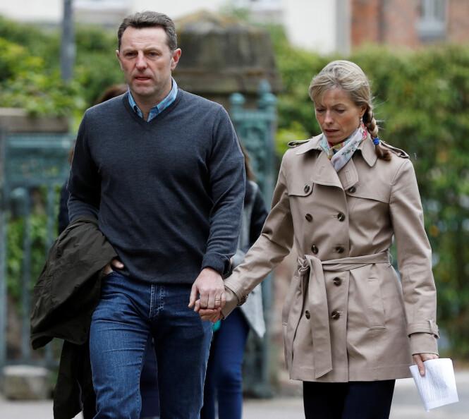 MOTSTAND: Foreldrene til Madeleine, Kate og Gerry McCann, ønsket ikke å delta i dokumentaren om forsvinningssaken. Her på vei til en gudstjeneste som markerte at det var ti år siden datteren forsvant. Foto: Reuters/ NTB scanpix
