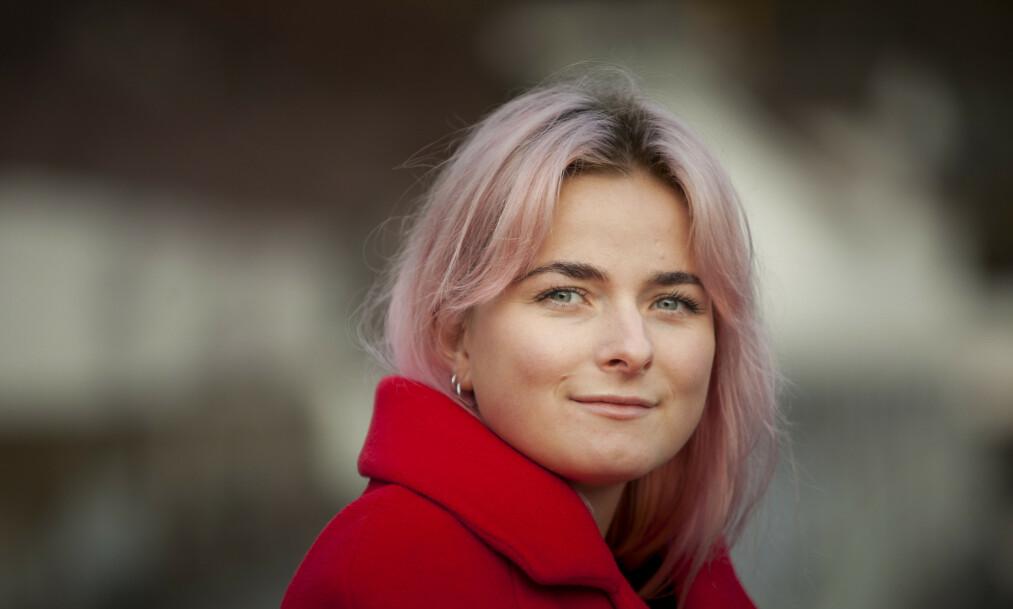 <strong>GENERASJON PRESTASJON:</strong> Fortellerne i Nora Lindblads novelledebut vil gjerne ha kontroll - over vekten, forbruket og begjæret. FOTO: Cappelen Damm