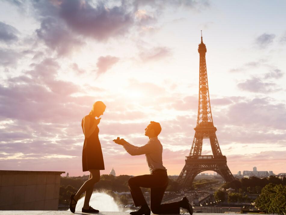 FRI: En undersøkelse viser hvilke steder det er mest romantisk å fri til noen. Foto: Scanpix