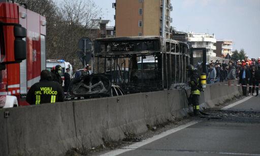 image: Busssjåfør bortførte skolebarn og satte fyr på bussen sin