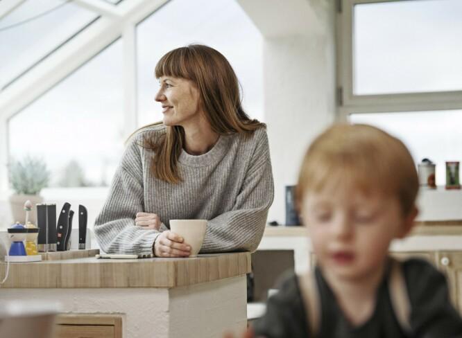 ET MIRAKEL: På tross av diagnosen tidlig overgangsalder fikk Birthe likevel sønnen Aske, som i dag er knappe tre år. Hun forsøker å akseptere at han sannsynligvis blir enebarn. FOTO: Runolfur Gudbjornsson