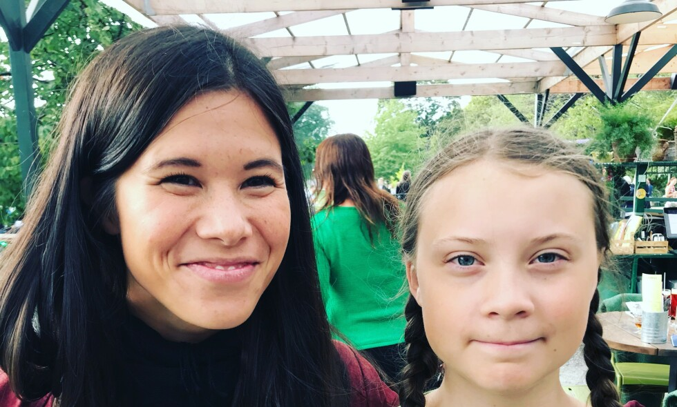 TRYGG FRAMTID: Det er vi som har makt og innflytelse nå i dag, som må skape framtida, og sørge for at den er trygg. I Oslo viser vi at det går an, på bare to år har byrådet kuttet klimautslippene med nesten 16 prosent, skriver Lan Marie Ngyen Berg, her sammen med svenske Greta Thunberg. Foto: Privat