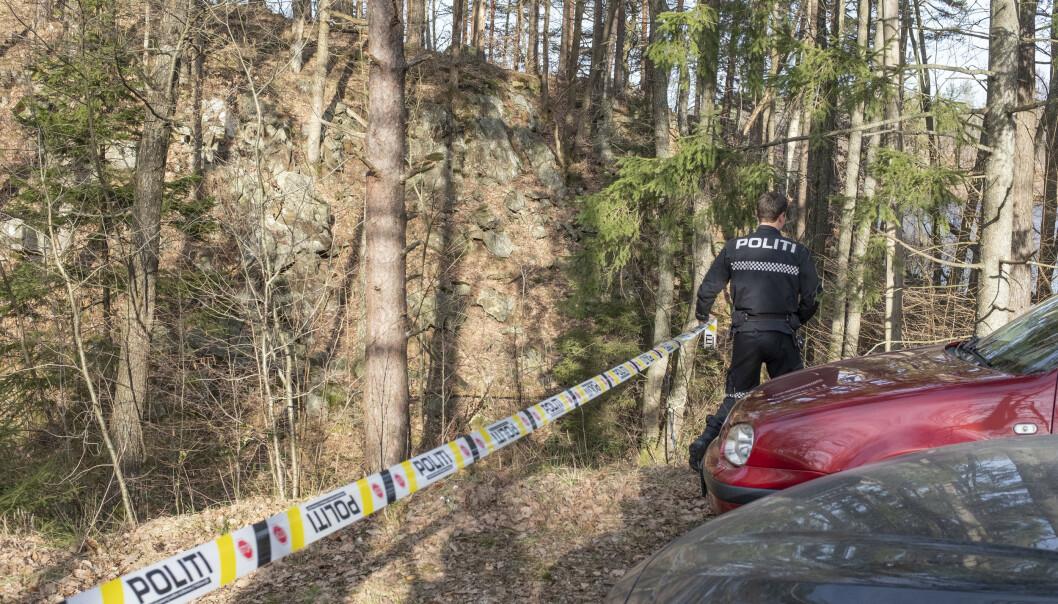 Kvinnen som ble funnet død i Høvåg i Lillesand onsdag ettermiddag, ble obdusert torsdag. Rapporten fastslår ingen sikker dødsårsak, men det er lite sannsynlig at hun var utsatt for noe kriminelt. Foto: Tor Erik Schrøder / NTB scanpix