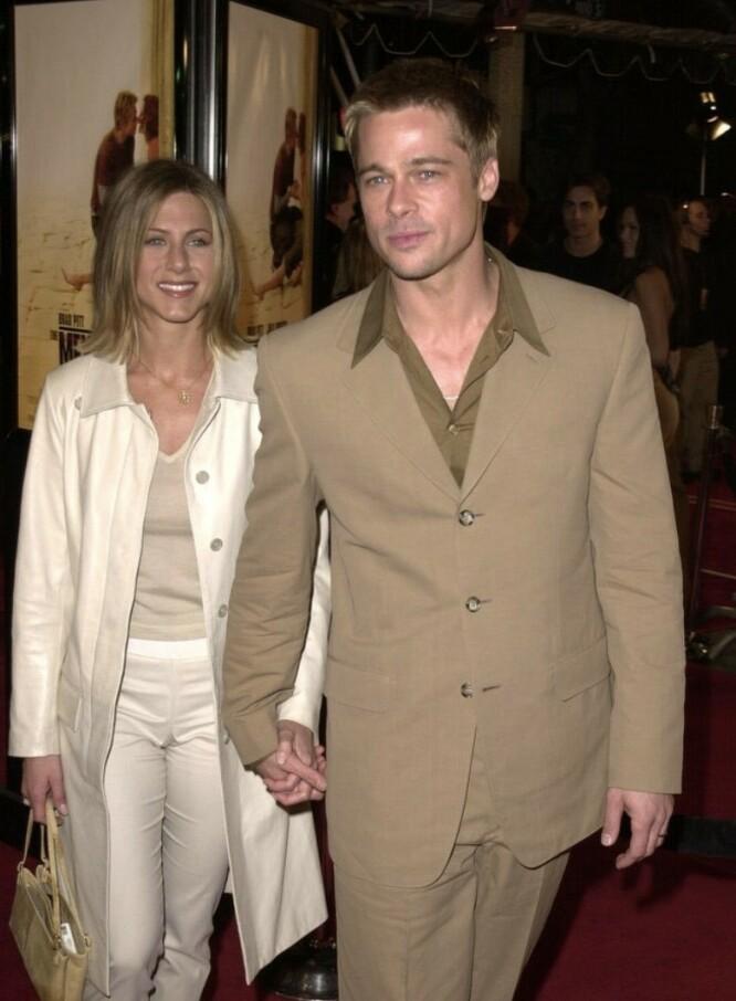 «SAMME ULLA»: Jennifer Aniston og Brad Pitt er unektelig like med sin solkyssede hud, solblekede hår og gjennomborende øyne. FOTO: Twitter