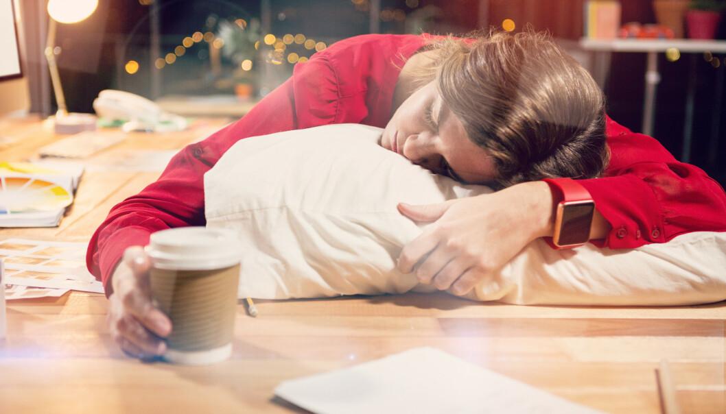 OPPKVIKKENDE: Men drikker du kaffe for å holde deg våken utover ettermiddagen, kan det ha betydning for hvor kvikk du føler deg dagen etter. FOTO: NTB Scanpix