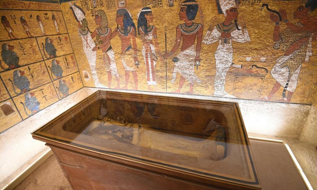 GRAVKAMMER: Sakrofagen til faraoen Tutankhamon i Kongenes dal. Han overtok tronen da han var ni eller ti år gammel. Foto: NTB Scanpix